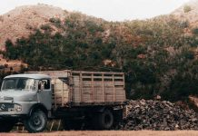 Top-4-Types-of-Junk-Removal-Trucks-on-coreinfluencer