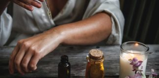 Benefits-of-Using-Essential-Oils-for-Aromatherapy-on-CoreinFluencer