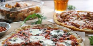 Tips-to-Arrange-a-Great-Pizza-Party-for-Returning-School-on-coreinfluencer