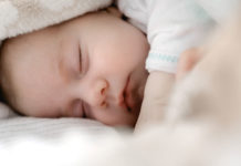 Sleeping-Tips-For-Baby-on-CoreInfluencer